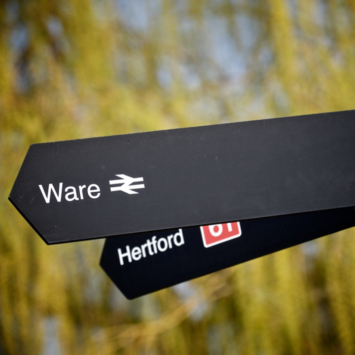 ware-hertford-sign-jonathan-hunt